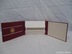 4858 D2 Robert Schumann zenei díj díszdobozban
