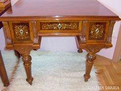 Kagyló és rézberakásos antik női íróasztal