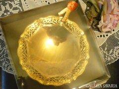 24 karátos arannyal bevont áttört szélű kínáló