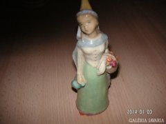Német Porcelánfigura