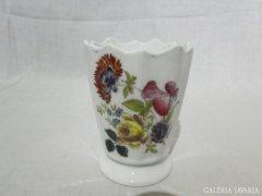 6023 Jelzett porcelán kis váza Stern I. Győr