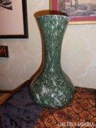 Zöld-fehér kétrétegű üveg váza