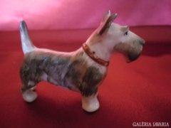 Kézzel festett porcelán kutyus