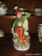 Herendi János Vitéz porcelán szobor