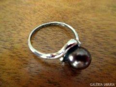 Barna gyöngyös gyűrű