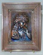 Bronz női portrét ábrázoló dombormű