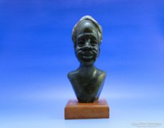 0B381 Afrikai faragott márvány fej