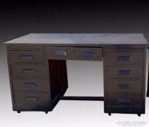 Y581 Fekete lingel szerű íróasztal