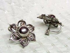 Dekoratív ezüst fülbevaló