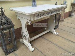 Provence bútor, fehér antikolt Biedermeier íróasztal.