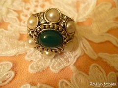 Swarovski köves és gyöngyös tibeti ez. gyűrű