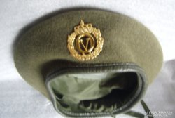 Norvég katona sapka (barett jellegű)