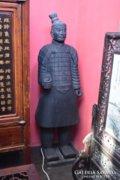 Kínai agyaghadsereg egy óriás katonája! 160-165 cm magas!