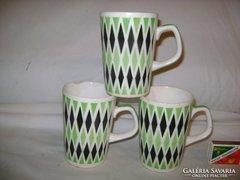Három darab régi kerámia teás csésze együtt eladó
