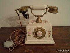 Antik porcelán telefon