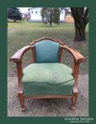 Különleges formájú,antik fotel