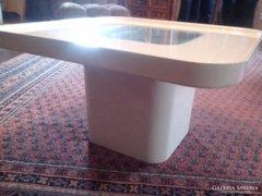 Peter Ghyczy designer asztal
