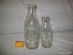 Két darab régi tejes üveg - együtt eladó