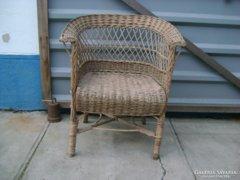Régi fonott fotel, kerti szék