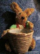Régi kézzel készült gyékény nyúl kosárral Húsvéti dekoráció