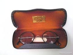Régi /wien /okuláré szemüveg tokjában