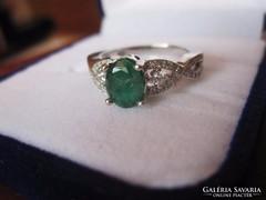 Smaragd eljegyzési gyűrű brill, fehérarany ezüst