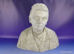0G044 Kapitány József jelzett női mellszobor 1934