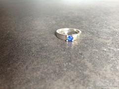 Régi ezüst gyűrű zafírral?