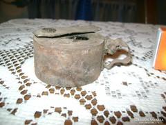 ANTIK olaj mécses, sétáló mécses fémből