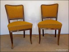 Régi támlás szék párban