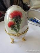 Tojás alakú ékszertartó porcelánból