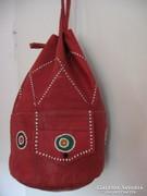Piros retro táska
