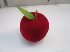 Vörös bársony doboz, alma ékszerdoboz