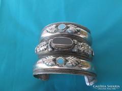 Türkiz és ónix széles úgy mond tibeti ezüst karperec 6cm szé