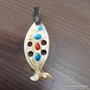 Régi kagyló medál ezüst akasztóval korallal