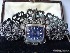 Royce gyönyörű ezüst óra