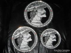 Szász Endre tányér, 24,7 ,19,7 , 15,7 cm sorozat, 3 db Árpád