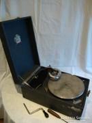 Antik hordozható lemezjátszó , gramofon