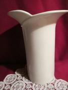 Széles porcelán váza 21 cm  0817