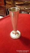 Ezüst egyszálas váza