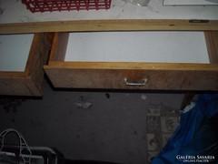 Konyha asztal