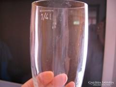 1/4 l-es 6 cikkelyes pohár
