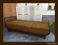 Hattyú ágy