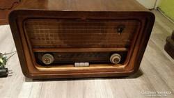 AKCIÓ! Antik rádió, R946 F típusú eladó