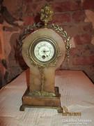Szecessziós óra, alabástrom bronz