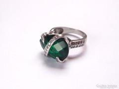 Mutatós ezüst gyűrű hatalmas zöld kővel