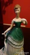 Royal Worcester Belle of the ball jelzésü porcelán figura