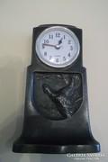 Antik óratok fajdkakassal, ónból