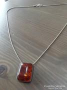 Borostyán ezüst medálos ezüst nyaklánc