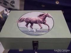 Teásdoboz ló motívum-díszdoboz ajándéknak is